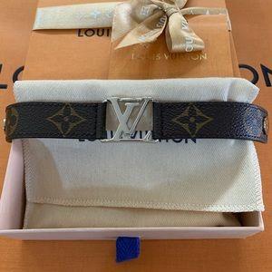 Louis Vuitton Monogram Hockenheim Bracelet Size 19